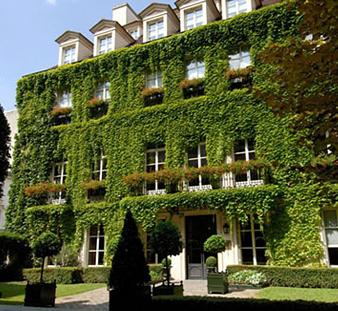 paris hotel pavillion de la reine