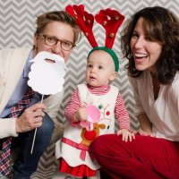 Holiday Card Idea: DIY Photo Booth