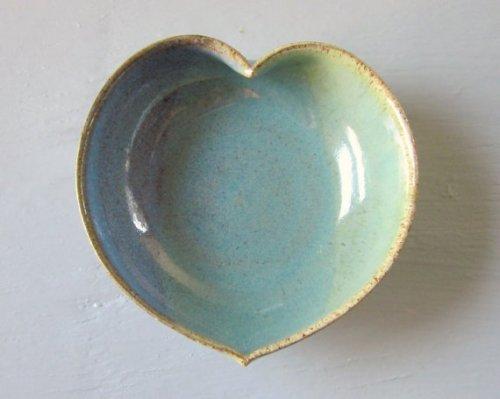 pottery_heart_dish