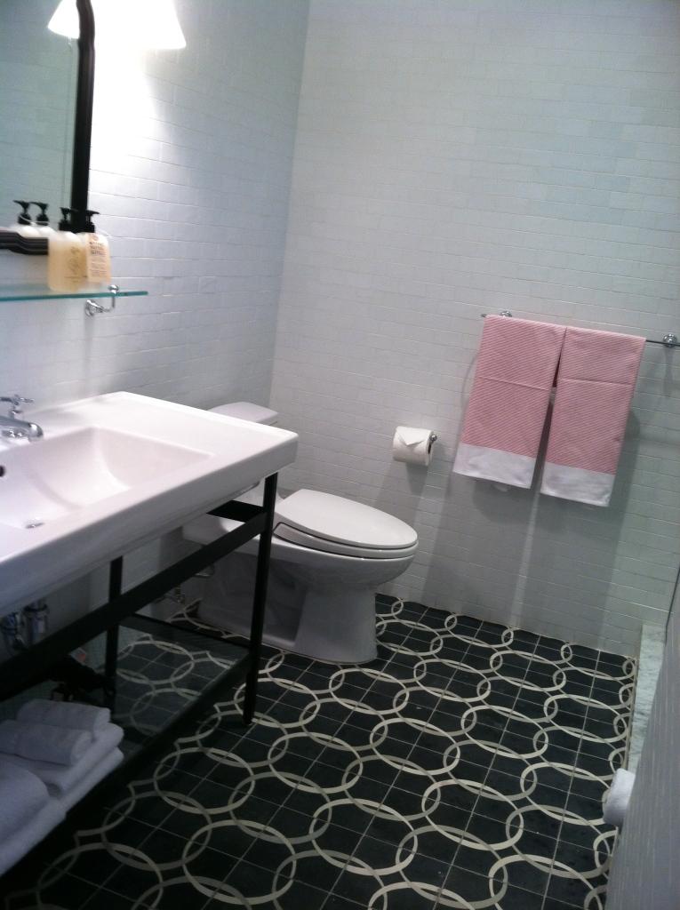 Hotel_wythe_williamsburg_brooklyn_bathroom