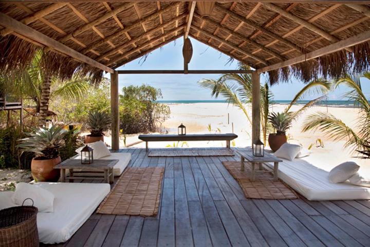 uxua_beach_platform