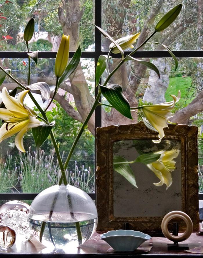 700_hefner-lilies