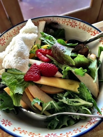 rooster_and_the_pig_asan_pear_salad